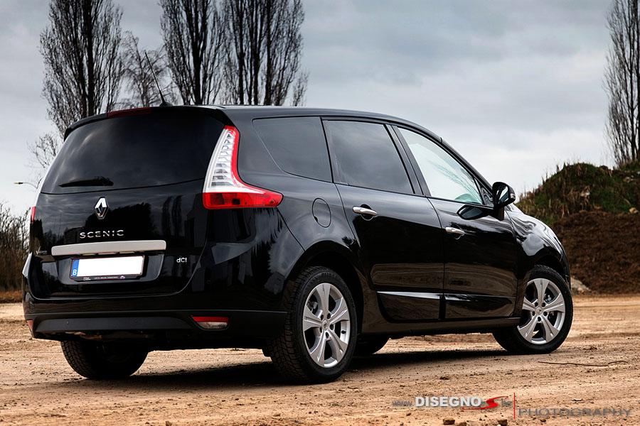 IMAGE: http://www.carphototutorials.com/photo/grand_scenic_rear.jpg